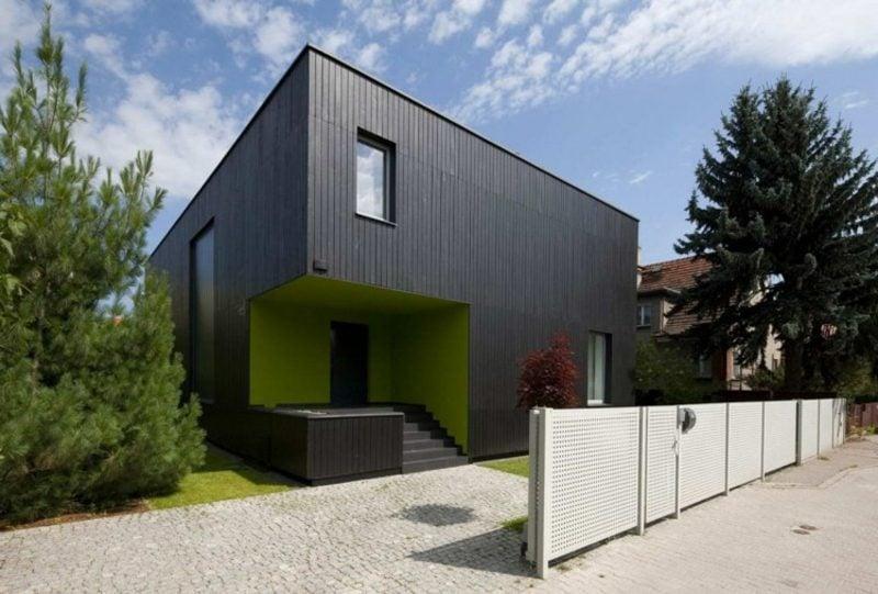 moderne Häuser Passivhaus schwarze Fassade