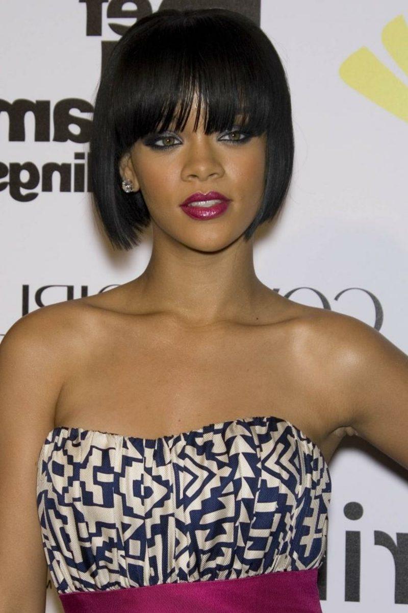 dunkelbraune Haare Rihanna eleganter Bob Haarschnitt