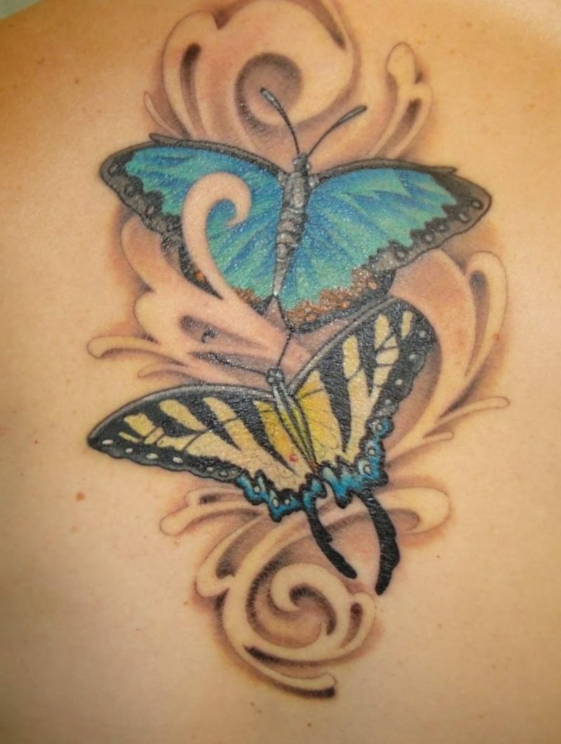 Tattoo Schmetterling blau gelb herrliches Design
