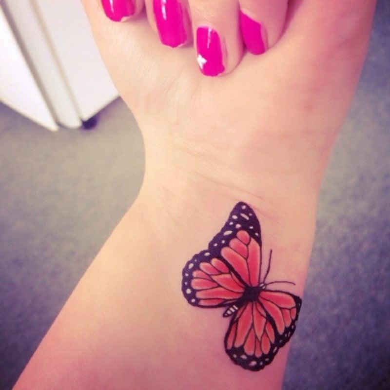 Tattoo Schmetterling Handgelenk Monarchfalter farbig