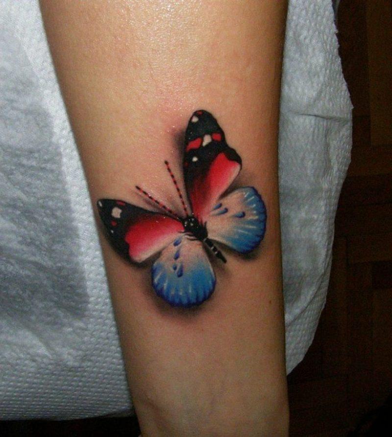 Tattoo Schmetterling farbig Oberarm 3D-Effekt