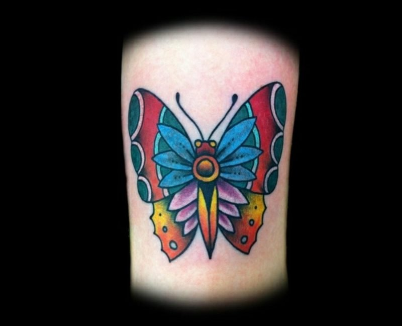 Tattoo Schmetterling bunt Ethno Look