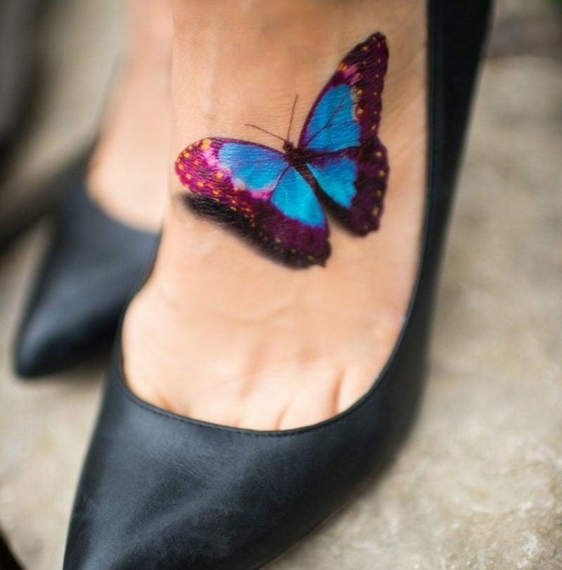 Tattoo Schmetterling Fuss Schattierung realistische Darstellung