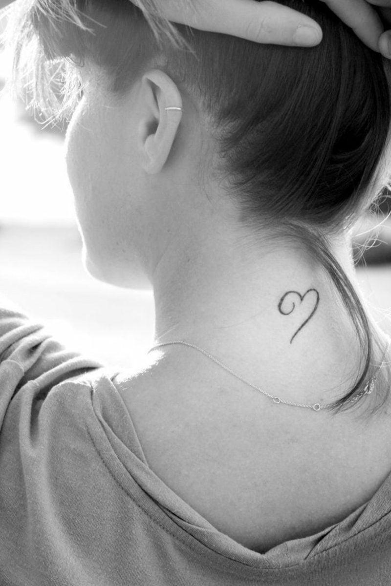 kleine Tattoos Motive Herz unbeendete Linien