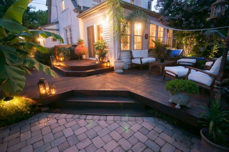 moderne Terrassengestaltung Akzentbeleuchtung Abend
