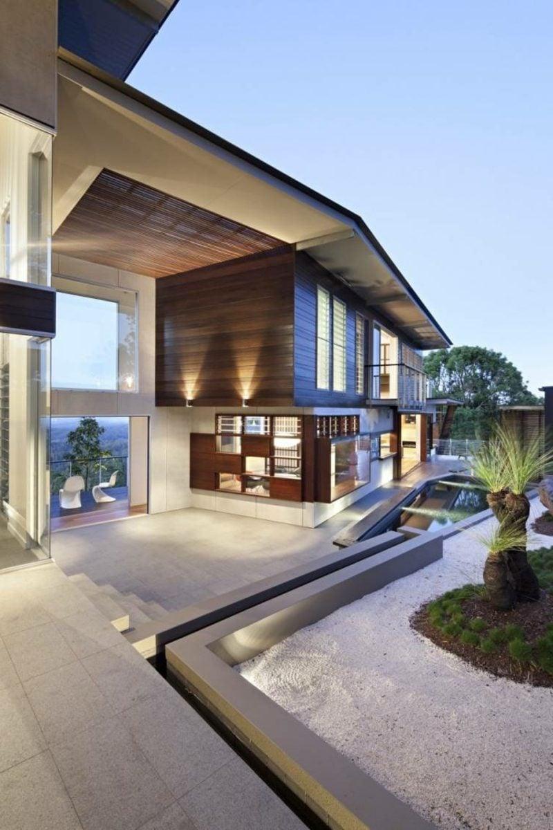 Terrassengestaltung moderne Ideen Akzentbeleuchtung Fassade