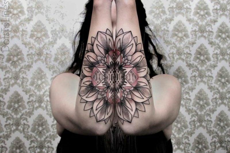 Tattoo auf Unterarm Frau Blume geometrische Motive origineller Look