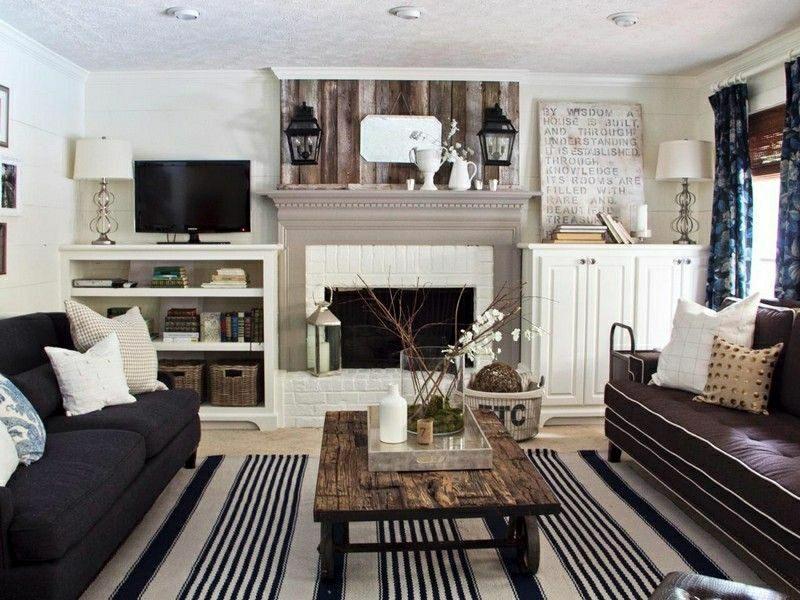 Wohnzimmer gestalten Landhausstil kontrastierende Farben Kamin
