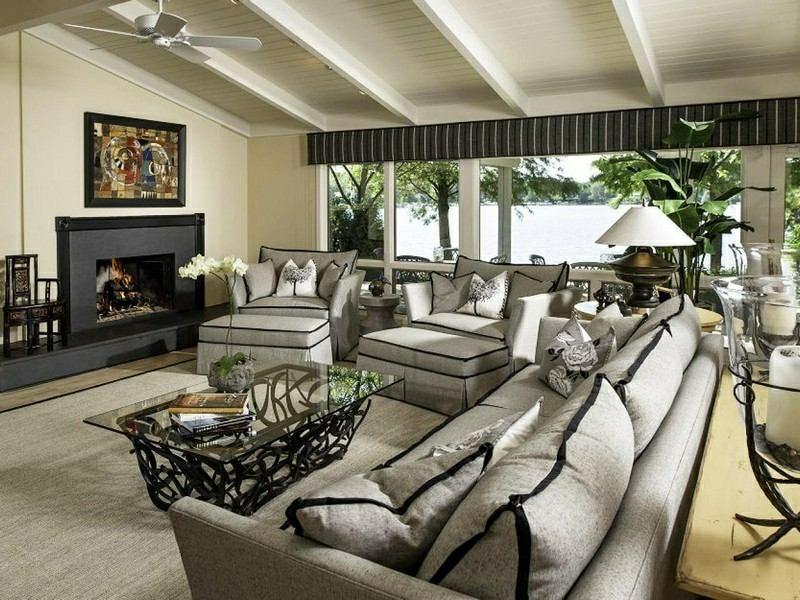 Wohnzimmer gestalten konstrastierende Farben Schwarz und Weiss elegant Landhausstil