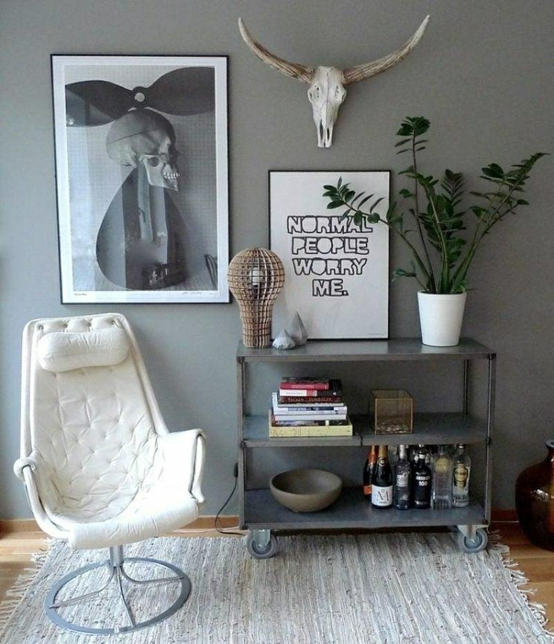 Wohnzimmer gestalten graue Wandfarbe Dekorationen skandinavischer Stil
