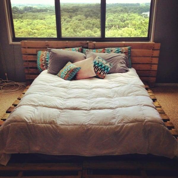 bett aus paletten anleitung einfaches bett aus paletten. Black Bedroom Furniture Sets. Home Design Ideas