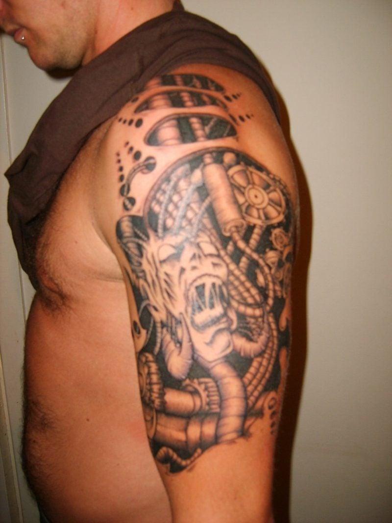 biomechanik arm tattoo biomechanische tattoos biomechanik tattoo wade mechanische tattoos