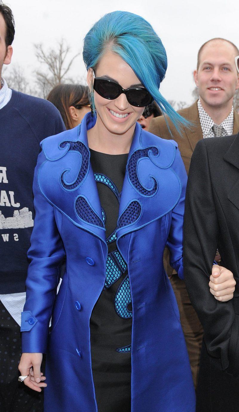 blaue haare haarfarben blau trend haarfarbe promineneten katy perry blaue haare