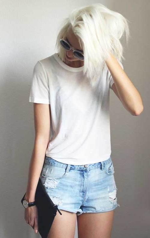 blonde haare trendfarbe haarfarbe haare blondieren bob haarschnitt frisur frauen