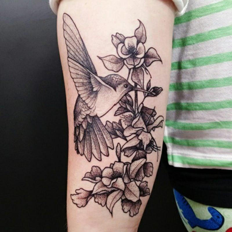 Tattoo hummingbird Blumen Tattoo