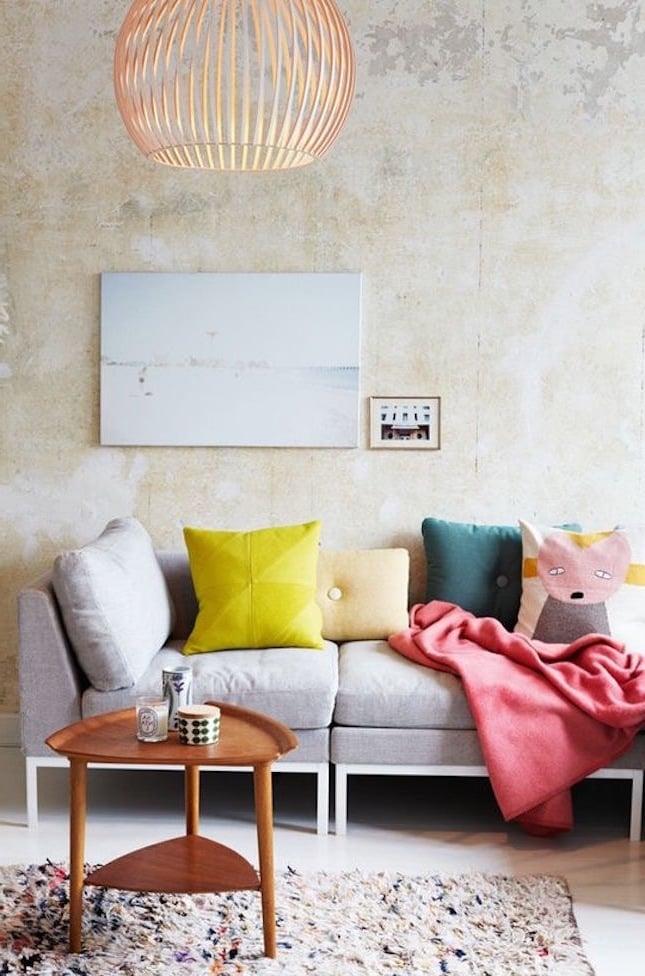wohnzimmer gestalten einrichtungsideen wand sofa tisch