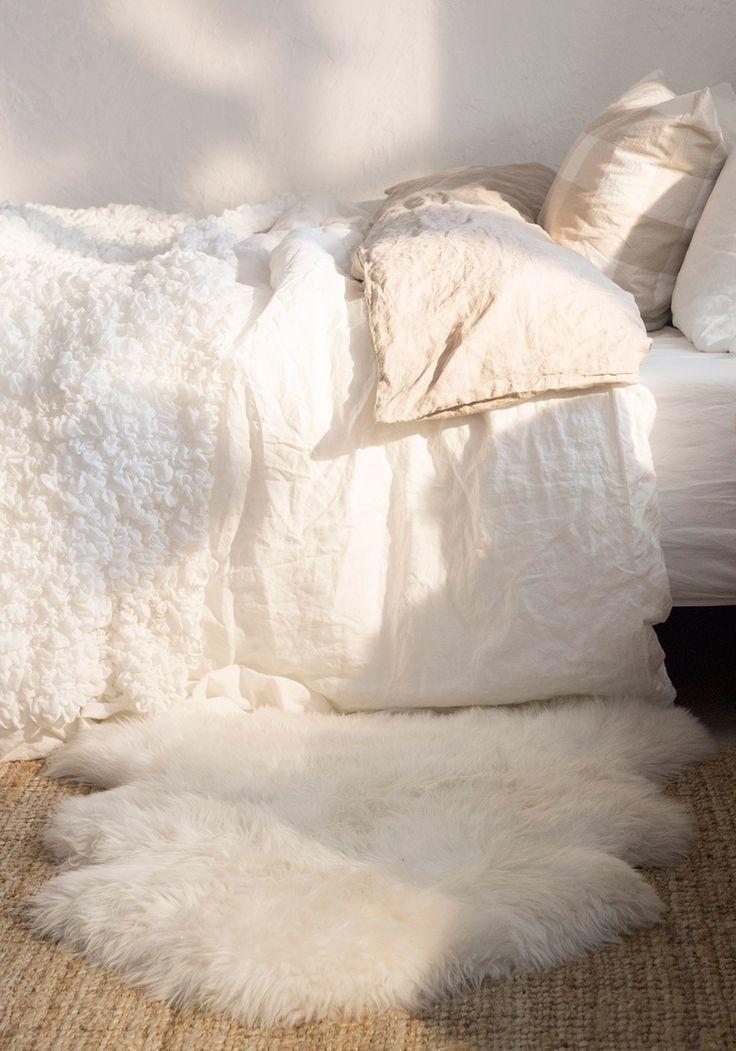 einrichtungsideen fell stuhl weiß wohnzimmer einrichten wohnideen