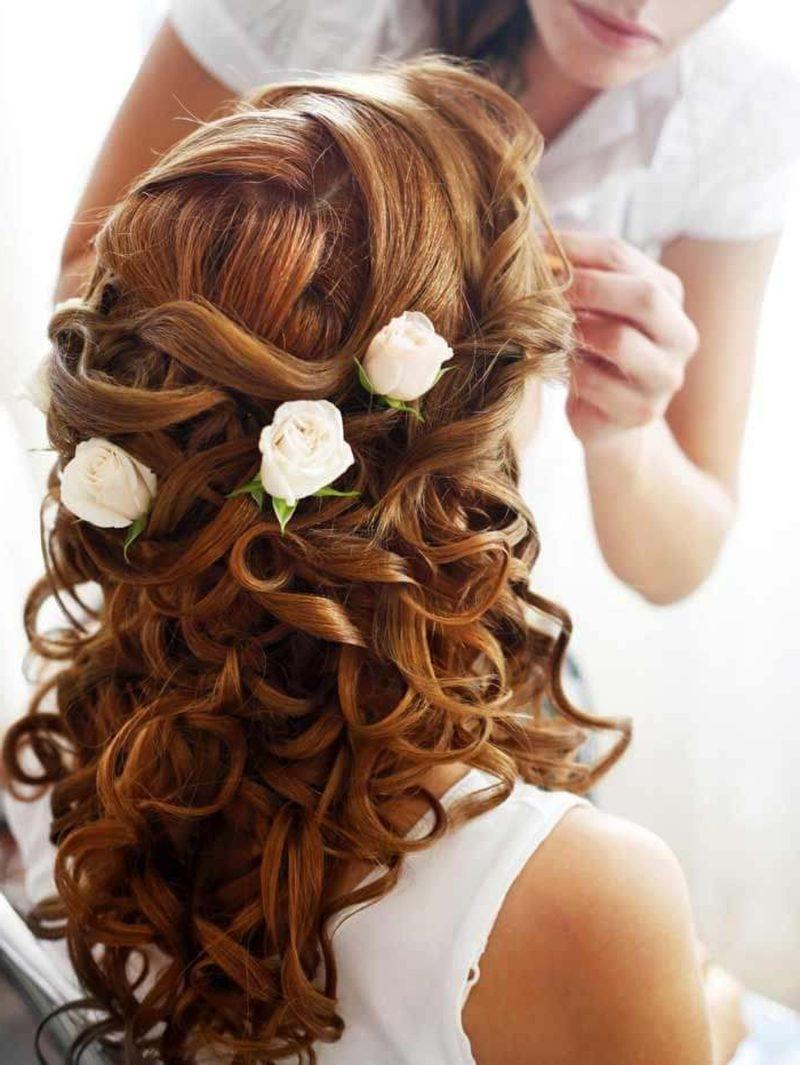 Brautjungfern Frisuren Ideen prachtvolle Lockenfrisur