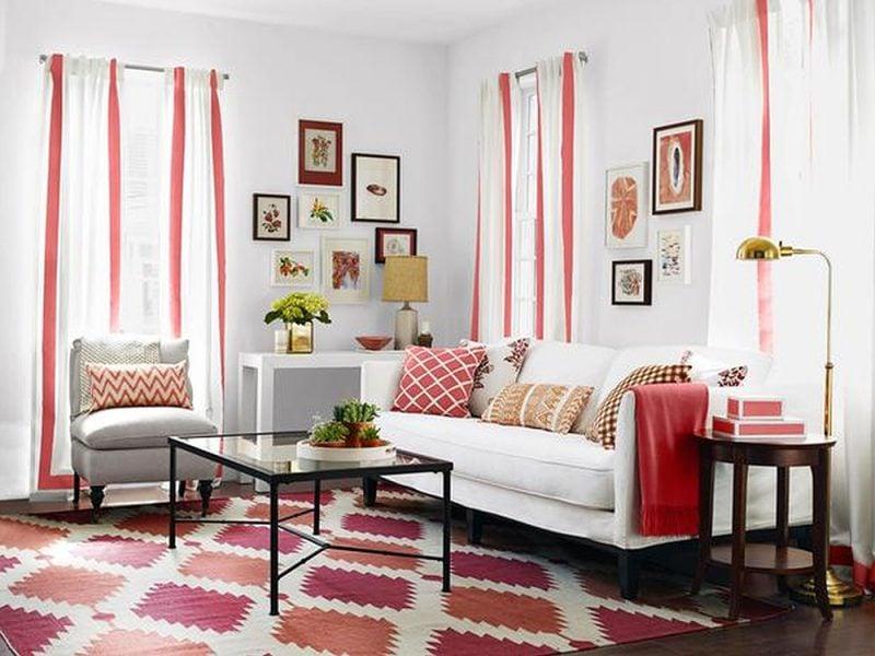 wohnzimmer einrichtungsideen weiße möbel tisch gardinen wand