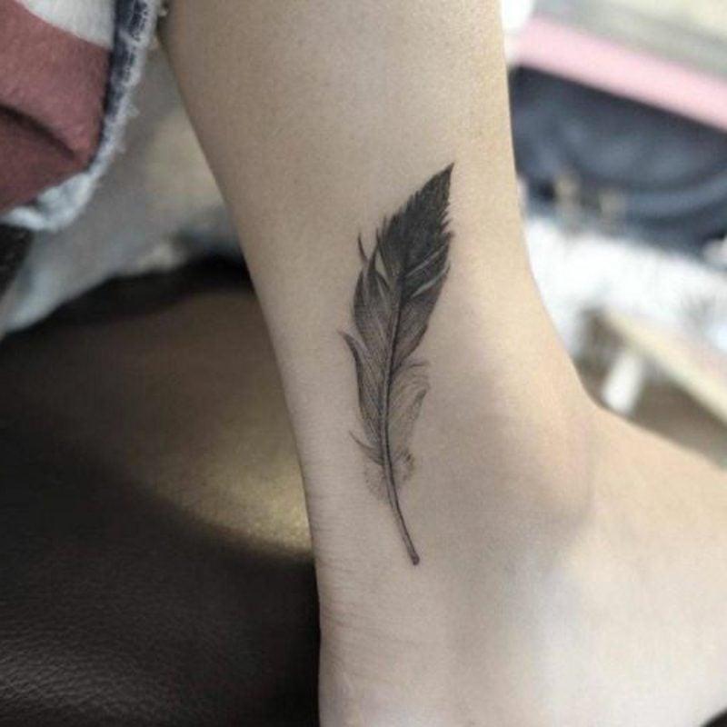 tattoos federn vorlagen
