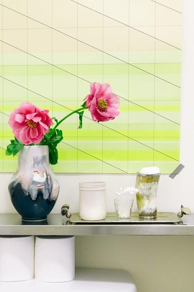 Geometrische Figuren als Wandgestaltung auch im Badezimmer