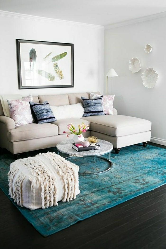 Affordable Wohnzimmer Einrichten Ideen Helle Farben Wand Hocker Sofa With Kleines  Wohnzimmer Einrichten Ideen