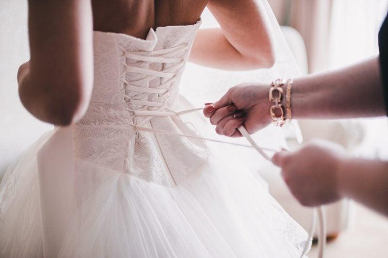 Tipps zu Auswahl der richtige Farbe für Brautkleid