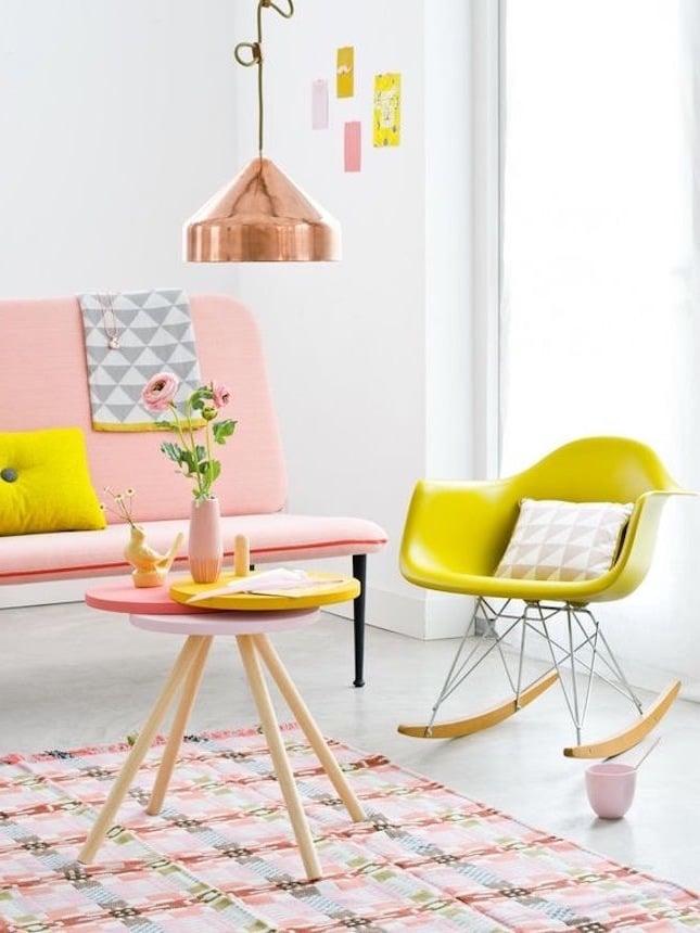 frische einrichtungsideen wohnzimmer gestalten farben tisch sofa stuhl lampen