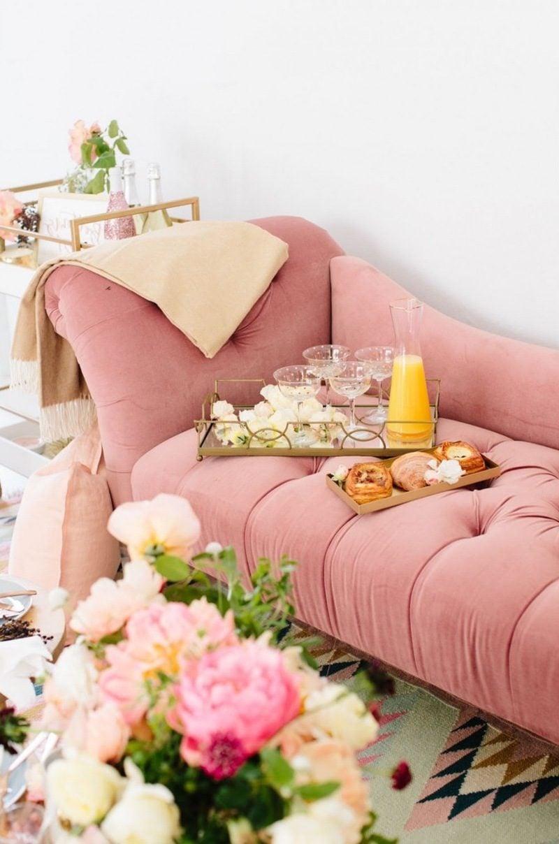 einrichtungsideen wohnzimmer gestalten flexible möbel sofa rosa