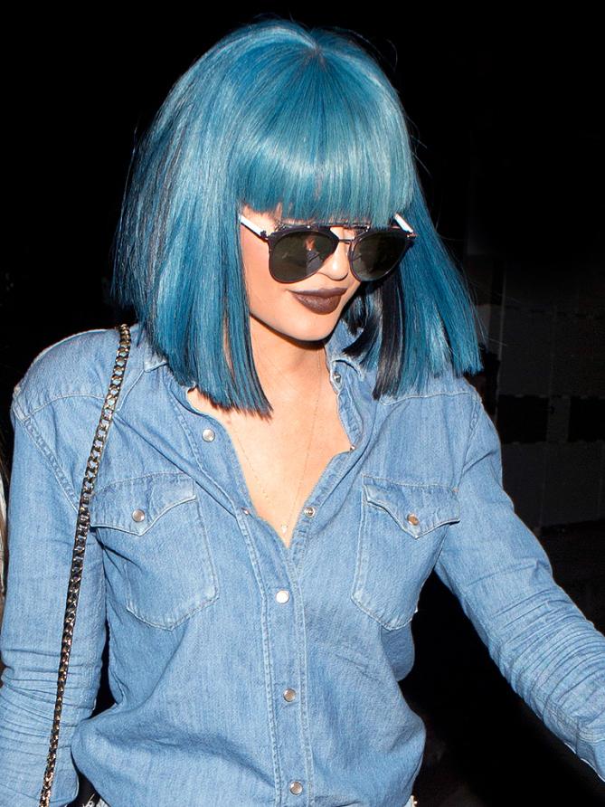 blaue haare haarfarben blau trend haarfarbe kylie jenner haar