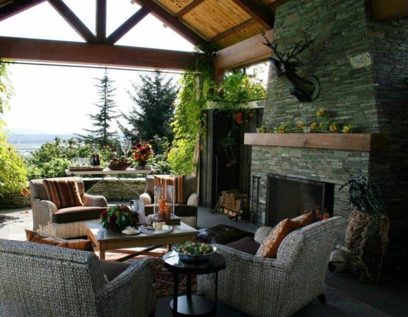 Terrassengestaltung Ideen modern Kamin