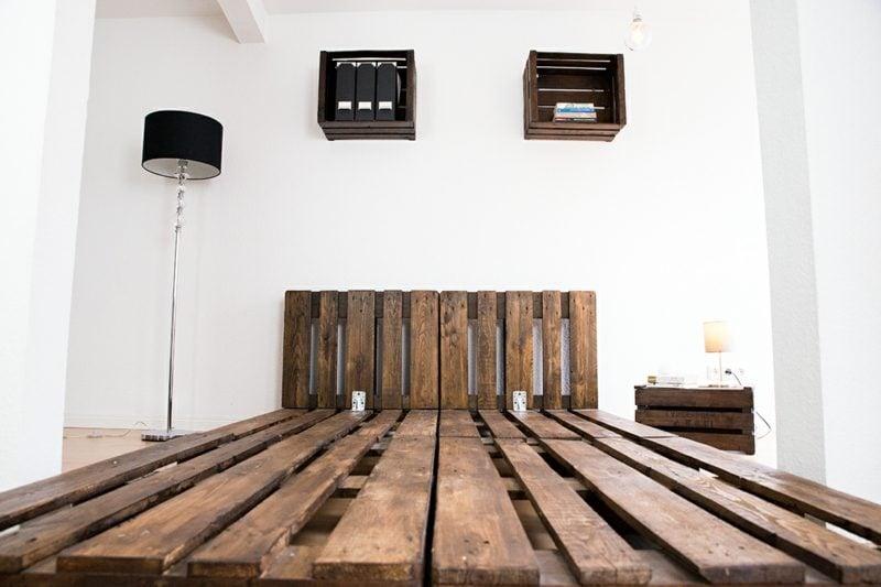 52 diy palettenbett designs m bel schlafzimmer zenideen. Black Bedroom Furniture Sets. Home Design Ideas