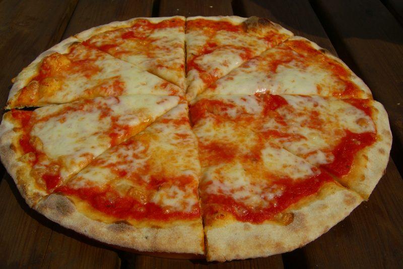 Schneller Pizzateig ohne Hefe Pizzateig ohne Hefe selber machen