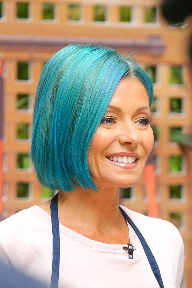 blaue haare haarfarben blau trend haarfarbe promis
