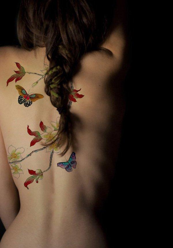Tattoo Schmetterling auf Blume
