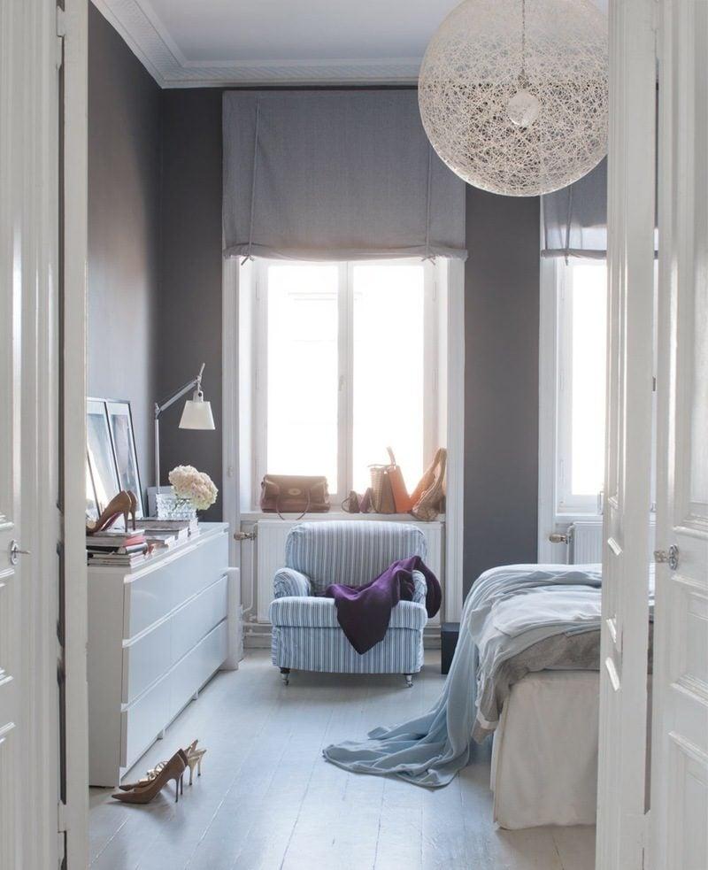 schlafzimmer gestalten skandinavischer stil farben blau lampe