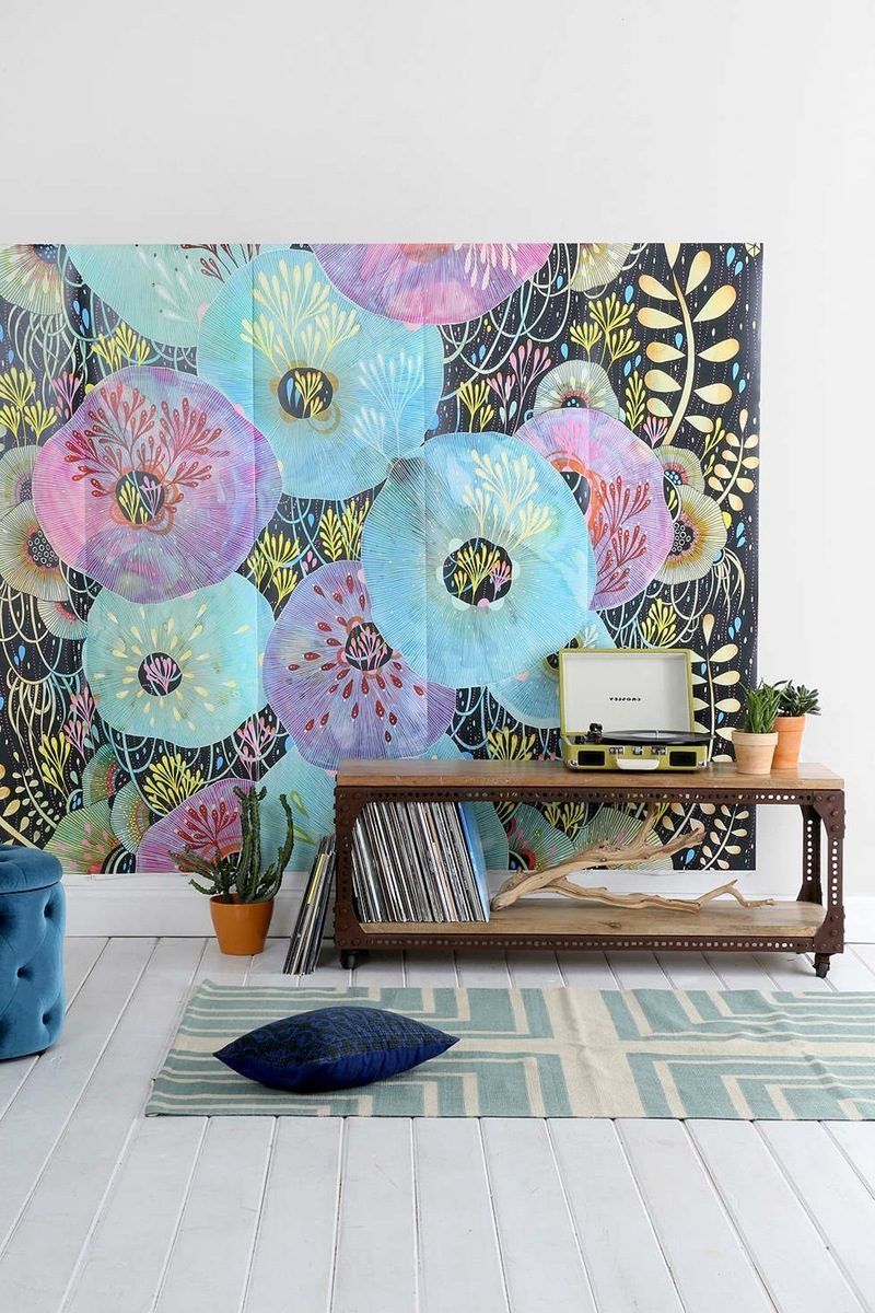 farbenfrohe Wanddeko im Wohnzimmer