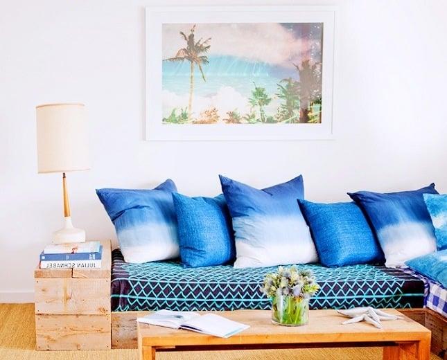 Bringen Sie fröhliche Sitmmung im Wohnzimmer mit diesen Kissen