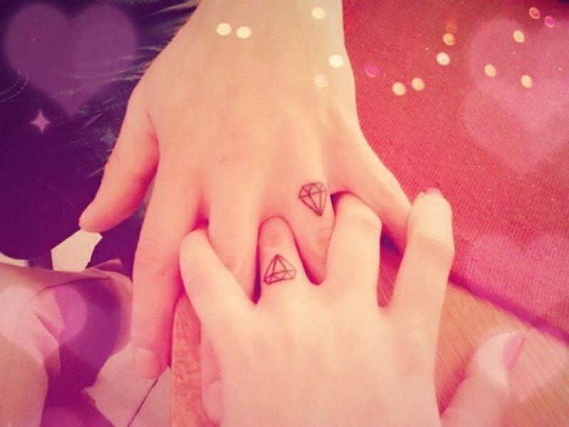 Partner Tattoos Fingertattoo Diamanten
