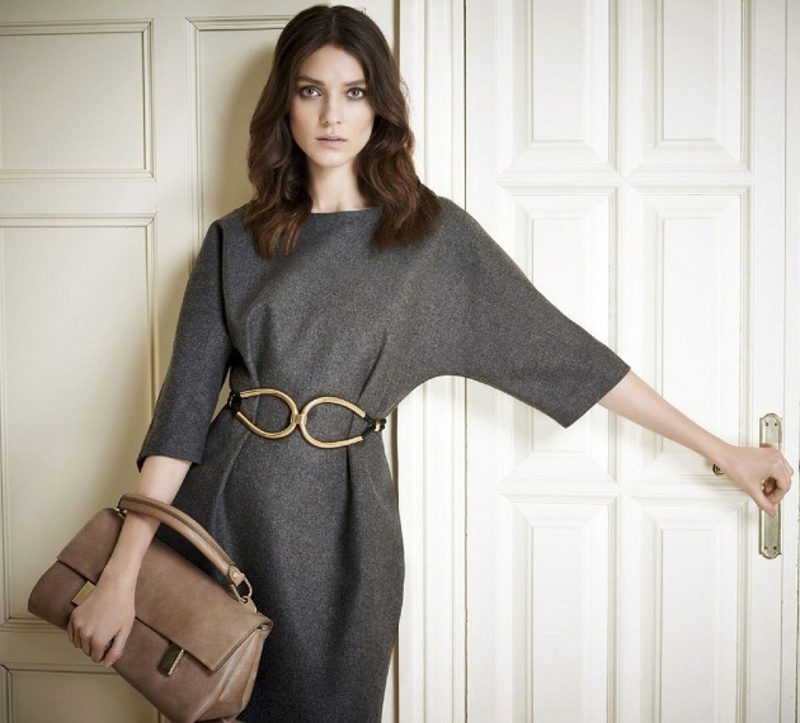 Damenmode Business Casual Outfit breites Kleid mit Gürtel grau stilvoll