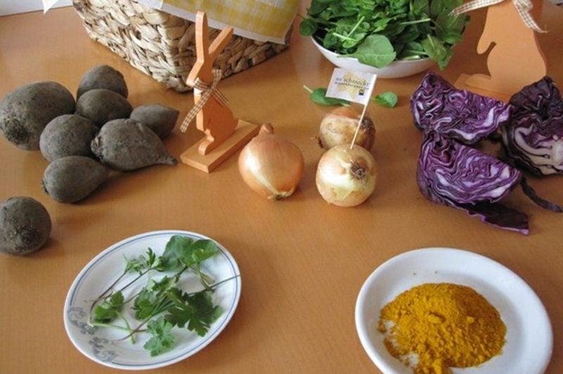 Ostereier färben mit Naturfarben notwendige Zutaten
