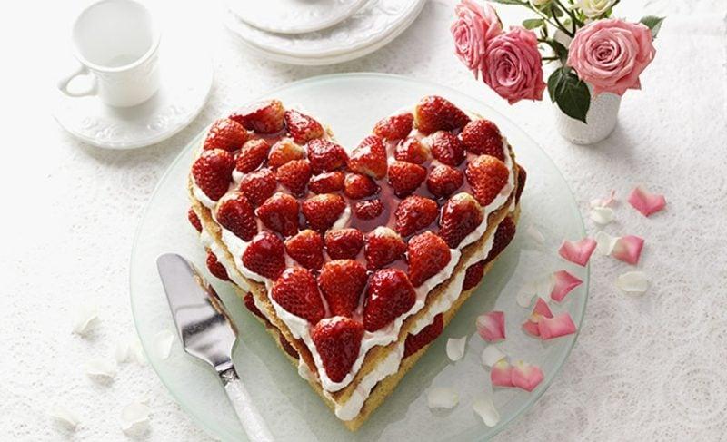 Backen zum Muttertag Erdbeer-Quarkherz