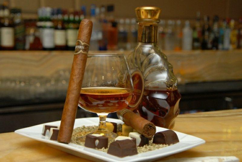 Vatertag 2017 feiern Whiskey, Zigarren und Pralinen
