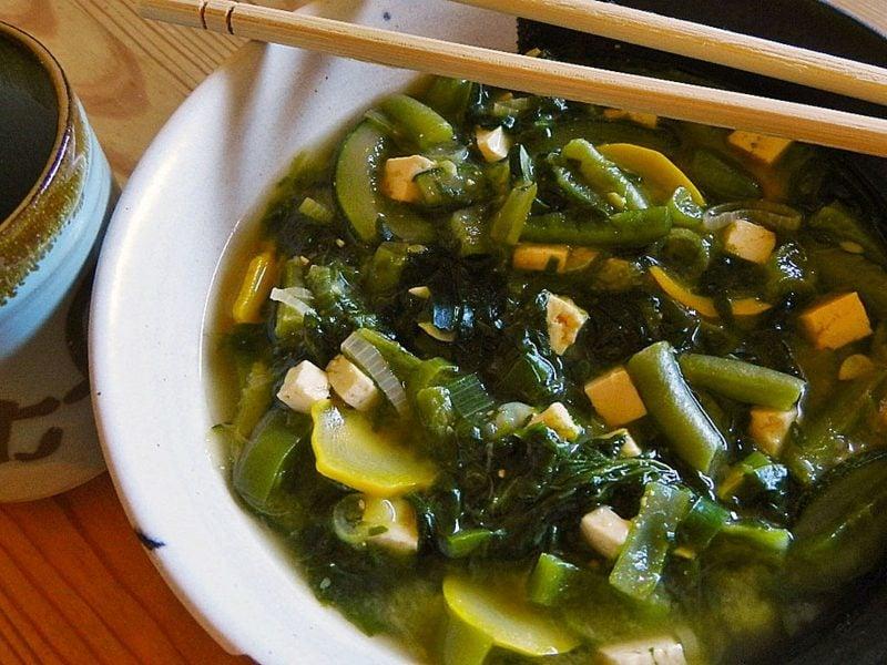 Karwoche Bedeutung Karfreitag Essen grüne Gemüsesuppe