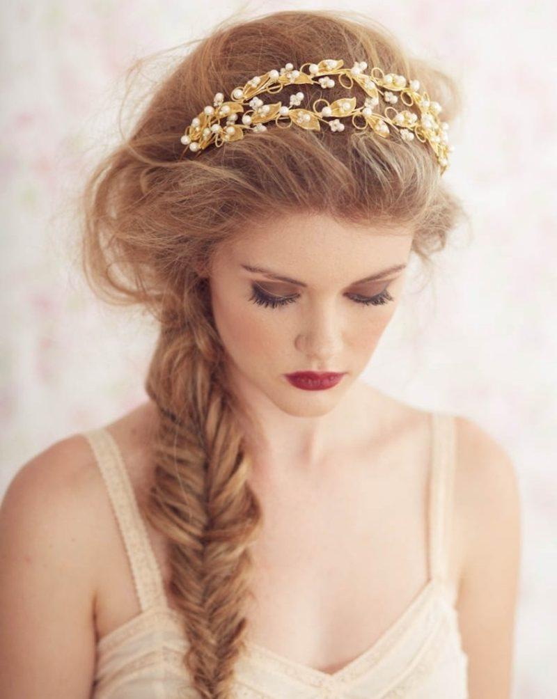 Frisuren mit Haarband Fischgratenzopf herrlicher Look
