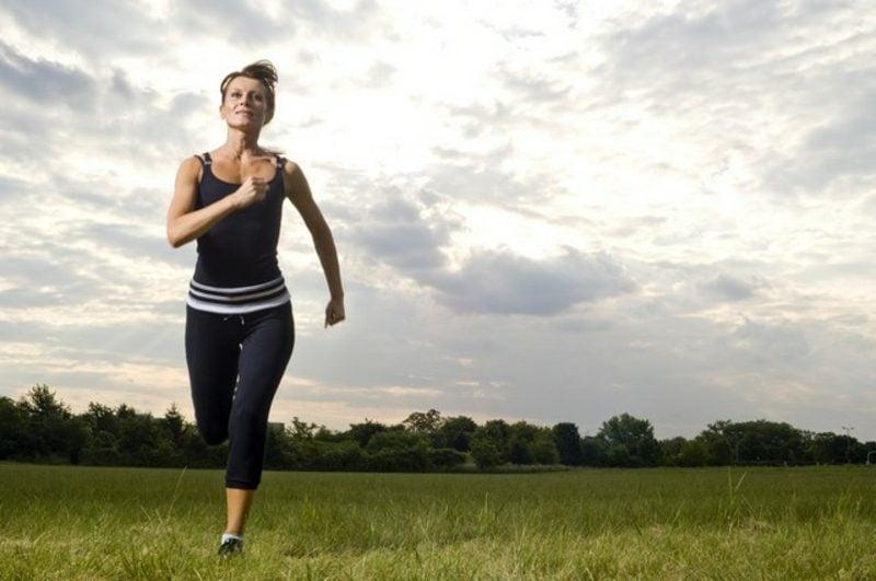 Joggen anfangen draussen hilfreiche Tipps