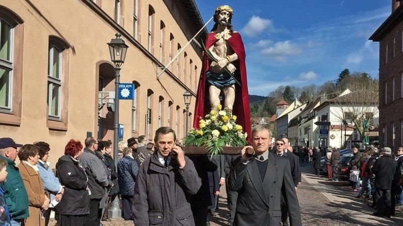 Karfreitag 2016 Bedeutung katholischer Brauch Karfreitagsprozession