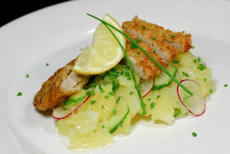 Karfreitag Essen rezept Kartoffelsalat mit Forelle und Dill