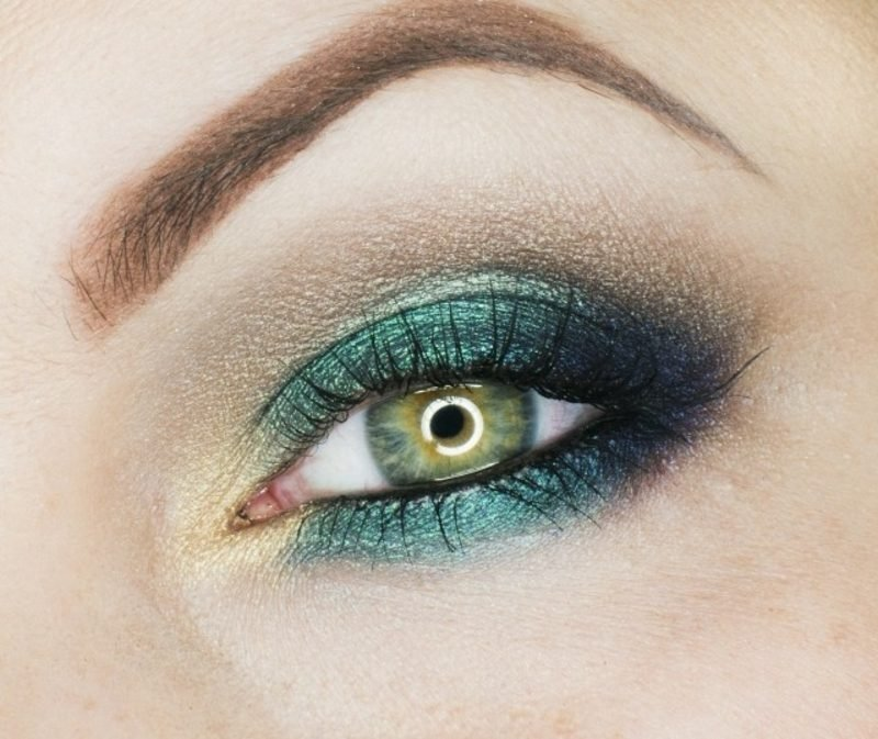 Schminktipps Augen Sommer Lidschatten in Grün und Golden