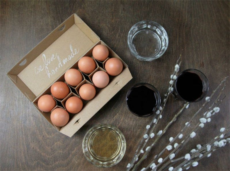 Eier färben Naturfarben Anleitung